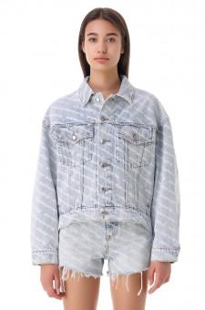 Джинсовая куртка oversize в логотипах