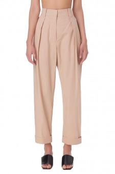 Укороченные брюки с подворотами