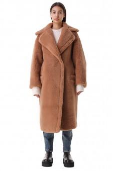Пальто из эко-меха oversize