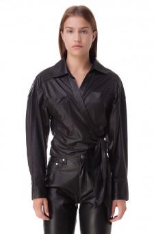 Укороченная кожаная блуза на завязках