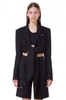 Укороченный пиджак на завязках