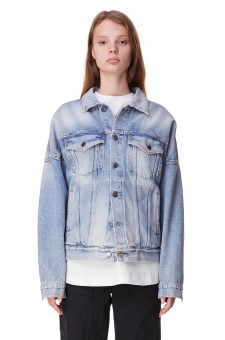 Джинсовая куртка oversize c логотипом