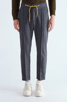 Укороченные брюки со шнурком