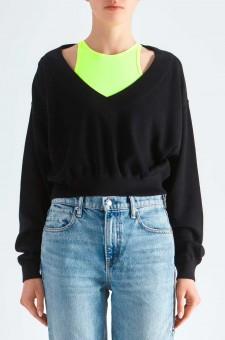 Укороченный пуловер со вшитым топом