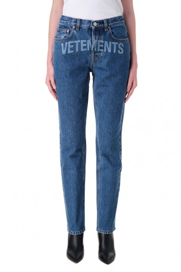 Джинсы c логотипом VETEMENTS VET20005