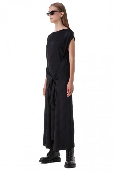 Платье в логотипах VETEMENTS VET21001